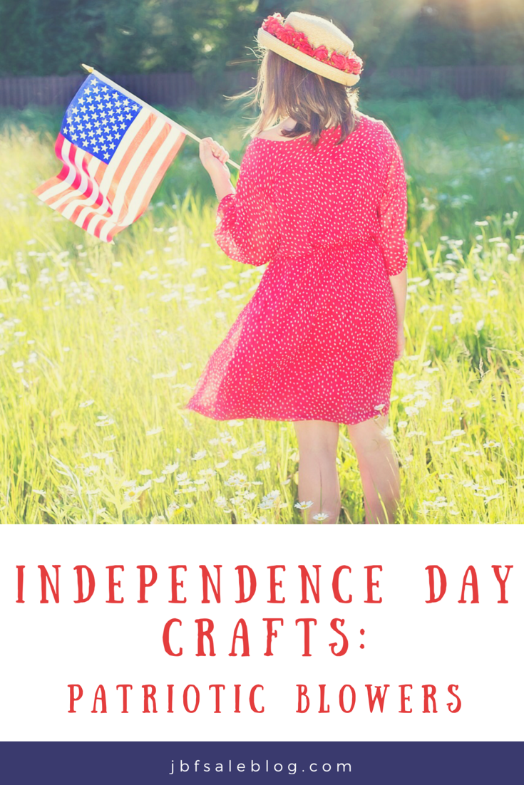 Independence Day Crafts: Patriotic Blowers