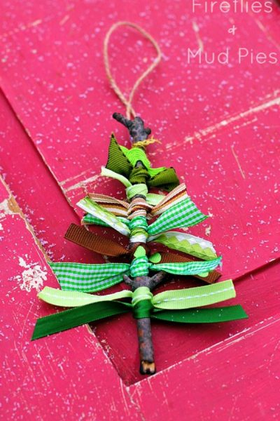 Get Your Kids Involved in Making Christmas Ornaments